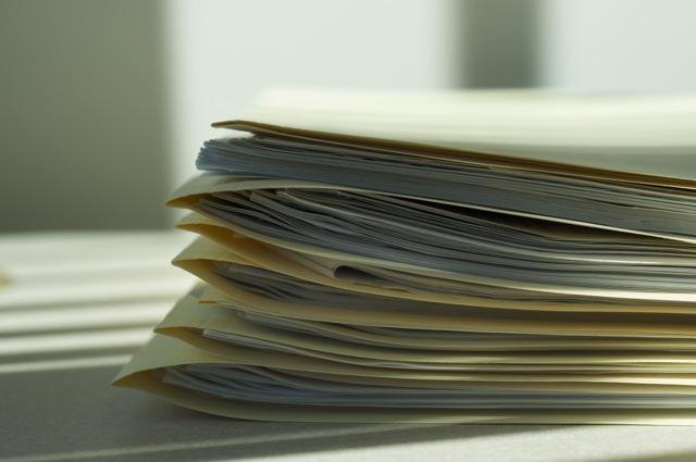 Картинки по запросу деловые бумаги на столе